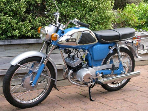 Yamaha YL1 2